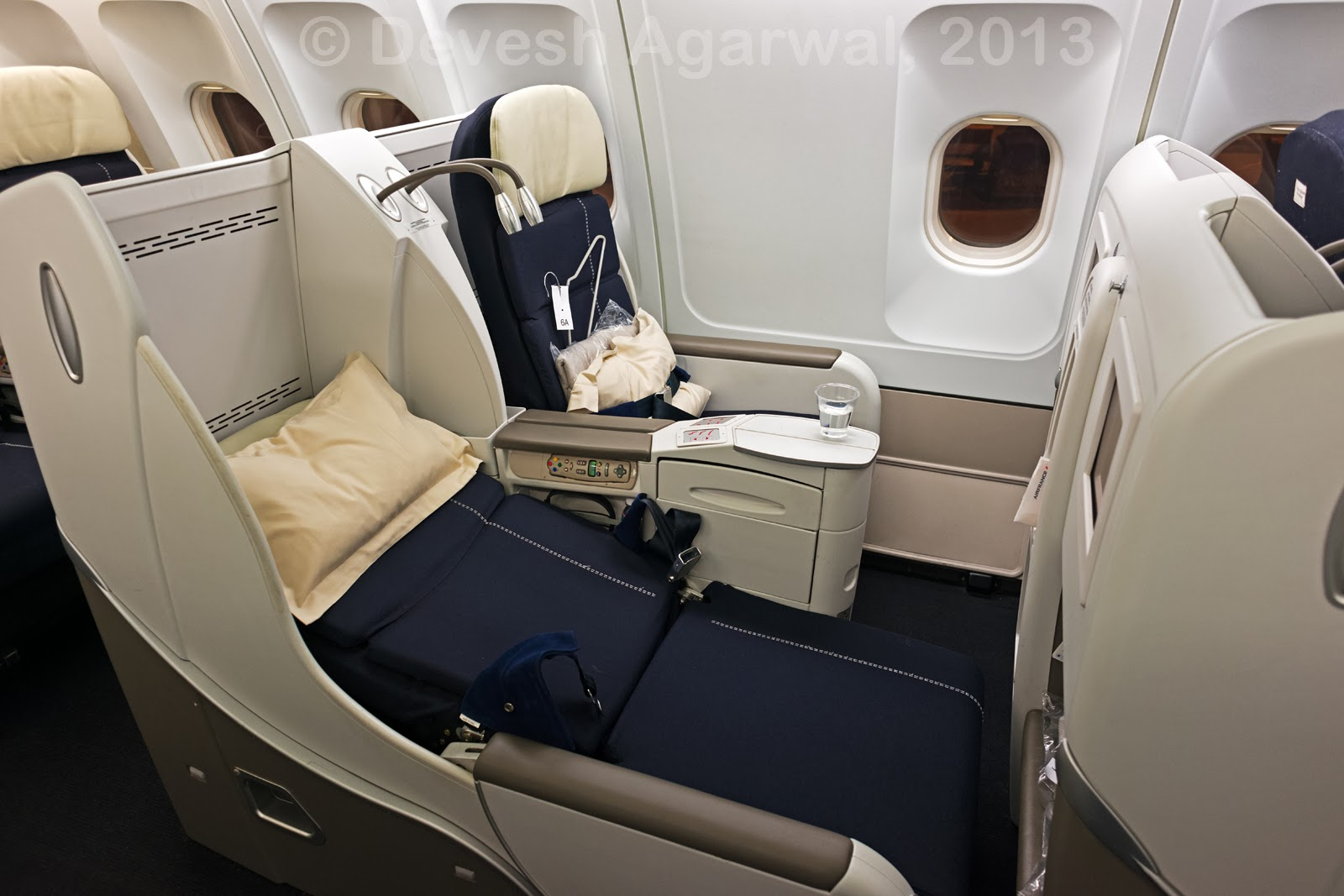 In flight review air france business class a330 200 for Interieur avion air france