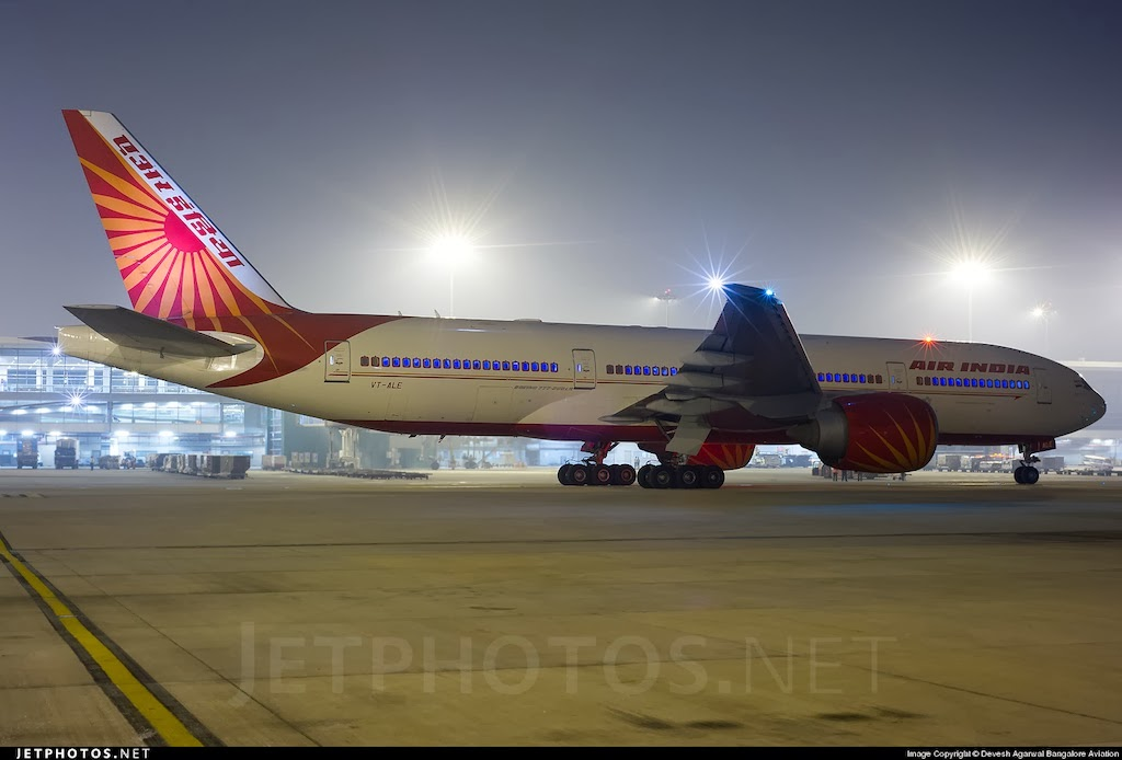 Air_India_Boeing_777-200LR_VT-ALE_59292_1352125398.jpg