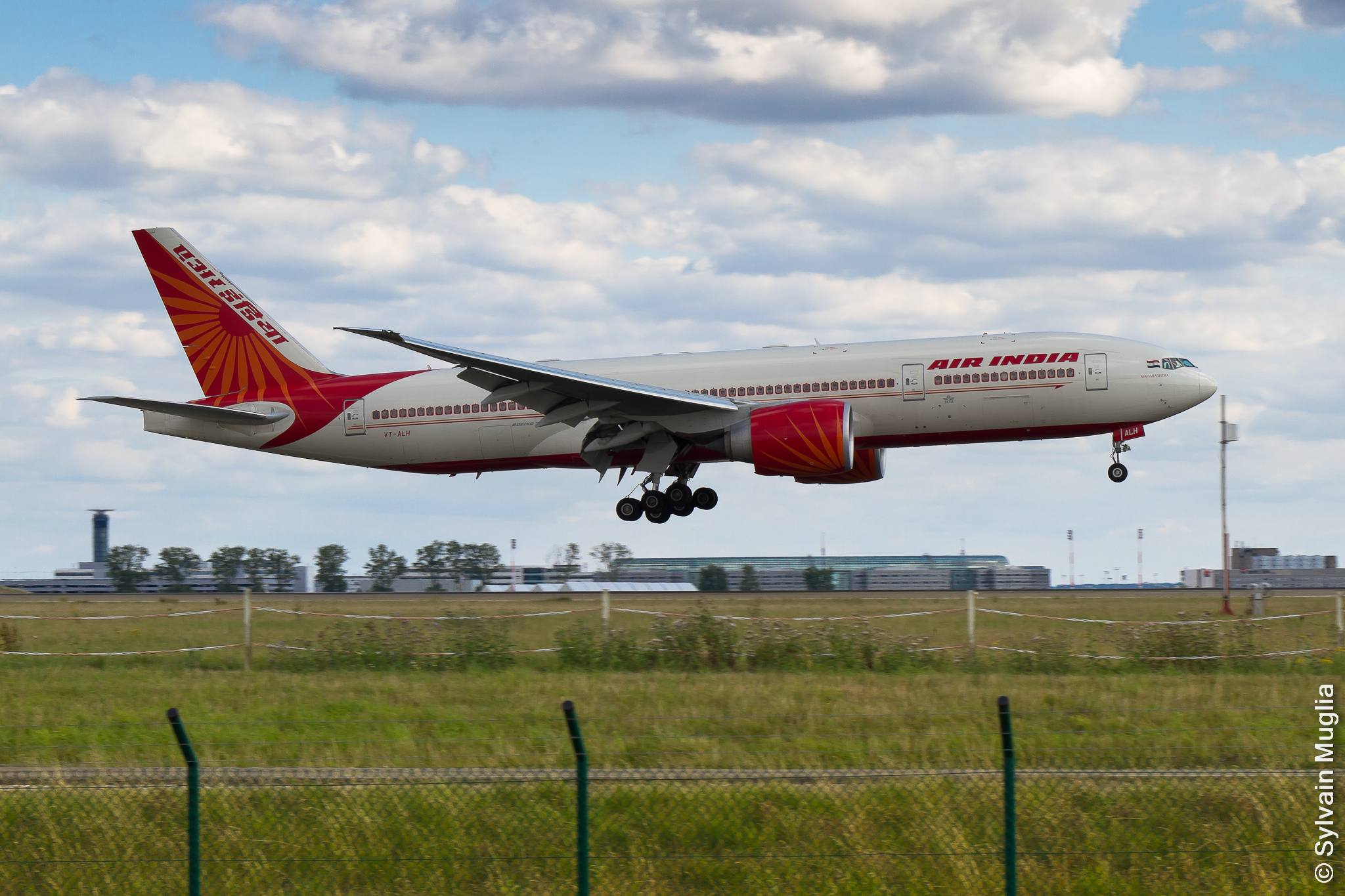 exclusive photos  air india strips its newest boeing 777