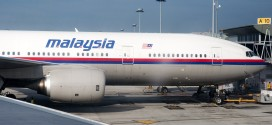 Malaysia Airlines Boeing 777-200ER 9M-MRL. Sister of 9M-MRO which crashed #MH370 and 9M-MRD which crashed #MH17.