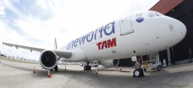 TAM Airlines A320 in special oneworld livery
