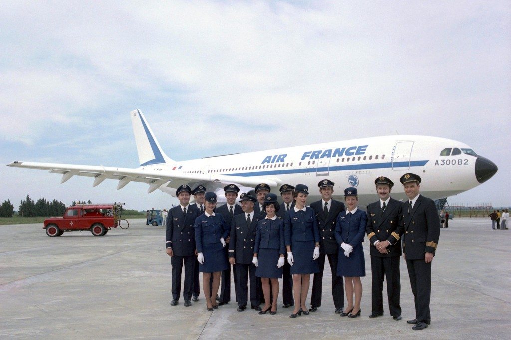 Air France crew pose in front of first A300B2 delivered F-BVGA (MSN005)