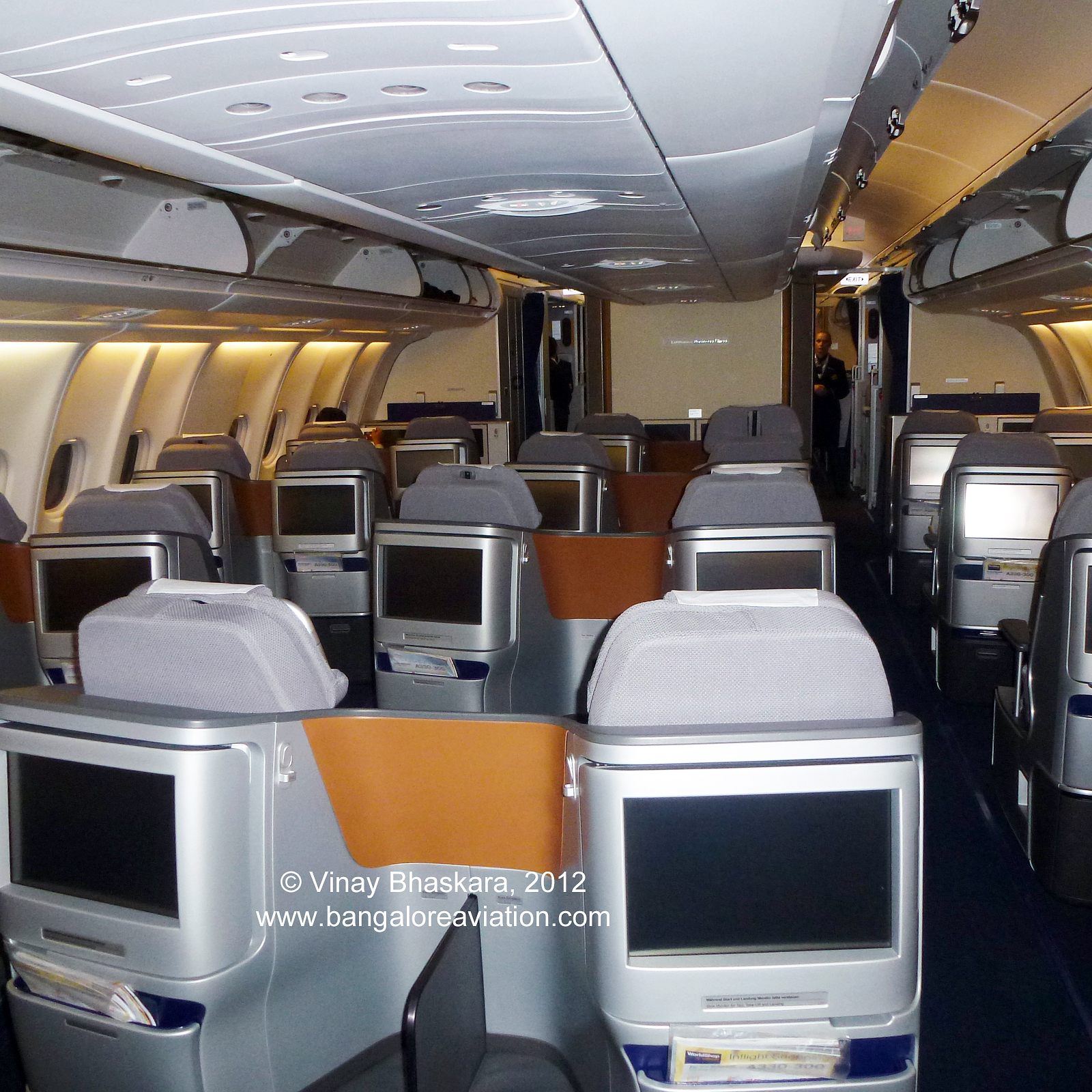 In Flight Review Lufthansa New Business Class Boeing 747