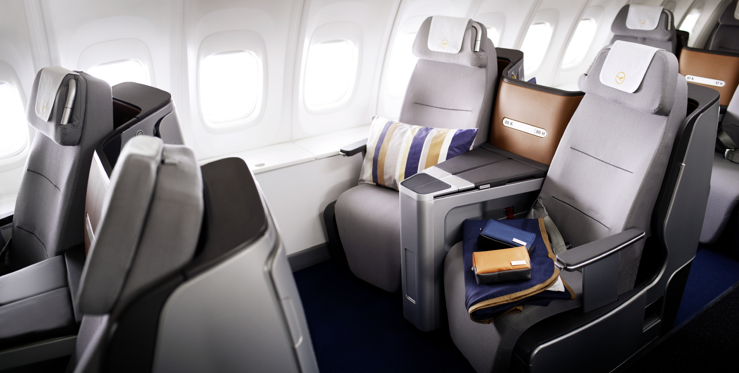 lufthansa to fly airbus a380 to new delhi from october 27 bangalore aviation. Black Bedroom Furniture Sets. Home Design Ideas