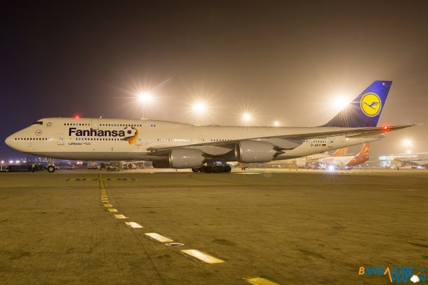 "Lufthansa Boeing 747-8i D-ABYI ""Fanhansa"" Livery"