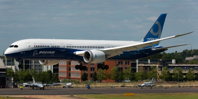 Boeing showcases 787-9 at Farnborough to counter Airbus