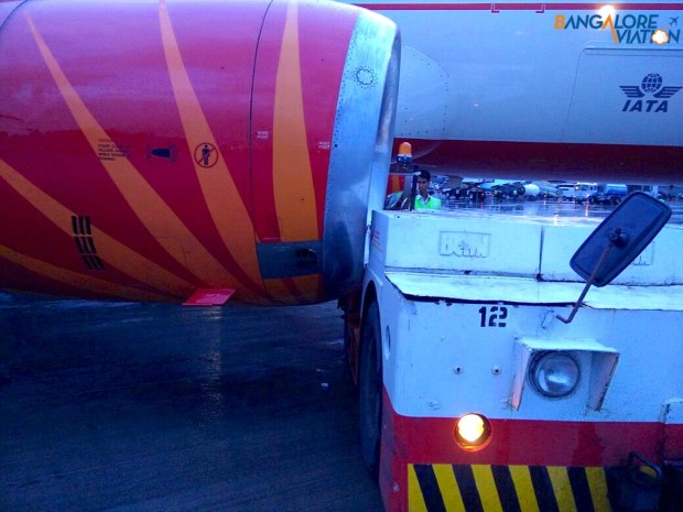 What was the tractor driver thinking? Nacelle damaged. Air India Airbus A320 VT-EPJ hit and damaged by tractor