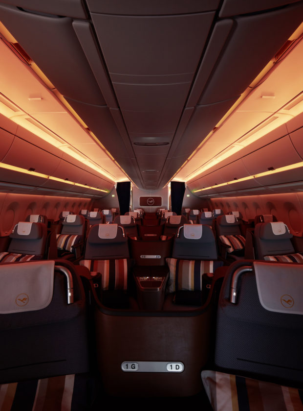 Lufthansa A350-900 business class mood lighting