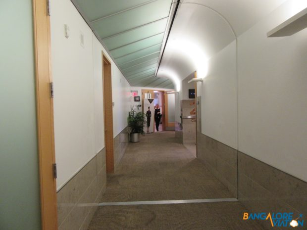 The corridor between all the mini lounges.