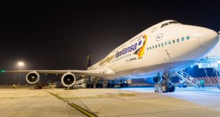 Lufthansa Boeing 747-8i D-ABYI 'Fanhansa Livery'.